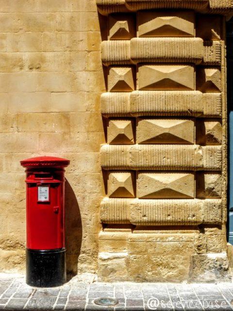 maltese-pillar-box