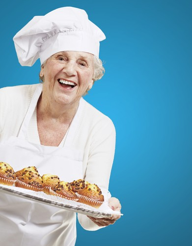 old-woman-baking-cakes